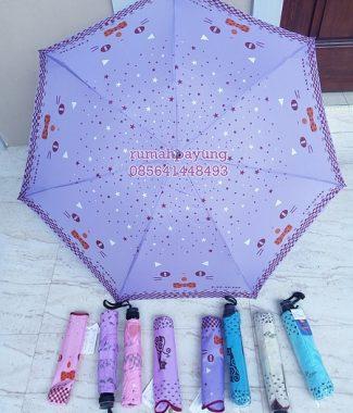 payung lipat motif kucing